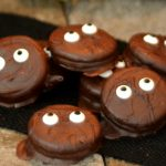 Halloween Treats for people with too much to do. These simple treats are perfect to make it seem like you are a domestic goddess. | www.thesurferskitchen.com