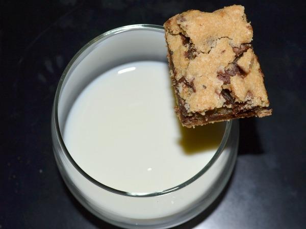 Chocolate Chip Cookie Bars (OMG! It's Vegan)